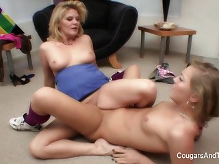 Hot Blonde Lesbians Love To Touch Each Other - CougarsandTeens