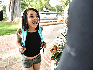 Holly Hendrix in The Back Door Locksmith - ExxxtraSmall